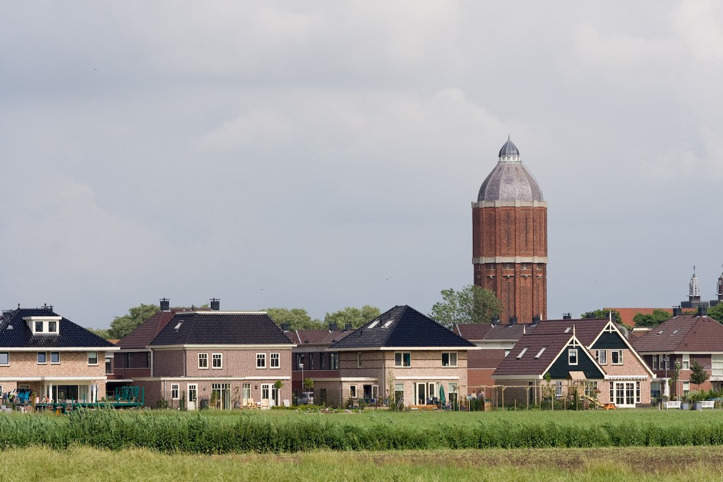 Hoogkarspel_with_water_tower
